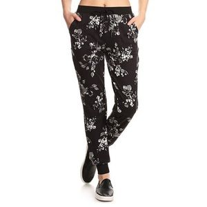 NWT 🌟 FLORAL JOGGERS